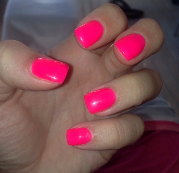 Fluorescent Neon Pink Nail Polish: Which Color Nail Polish Suites Your Personality