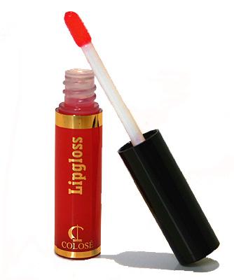 Demi Lovato usa Lipgloss como Protector Labial
