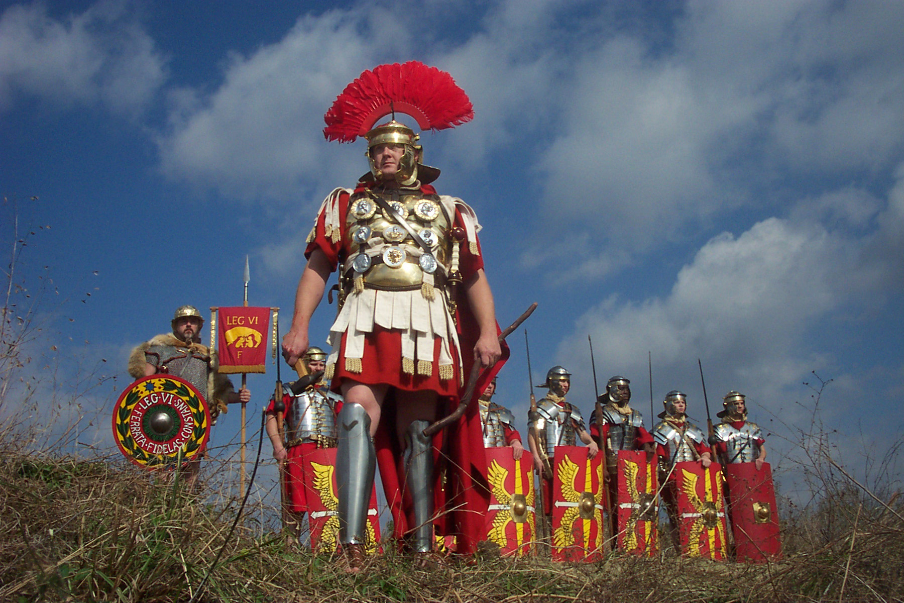 roman army The roman army (latin: exercitus romanorum ancient greek: στρατός/φοσσᾶτον ῥωμαίων) is the terrestrial armed forces deployed by the roman kingdom (to c 500 bc), the roman republic (500–31.