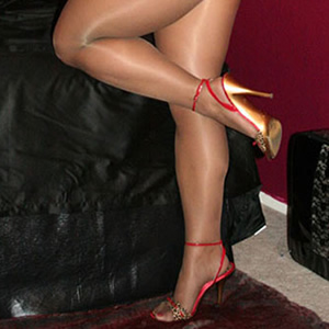 Male Or Female In Pantyhose?