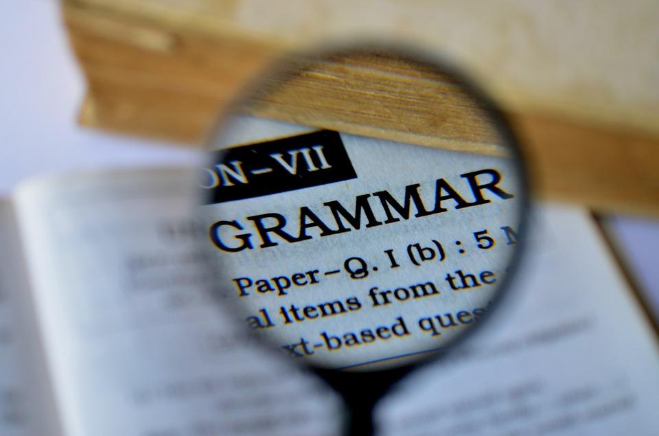 avoid grammar mistake for Customer Service