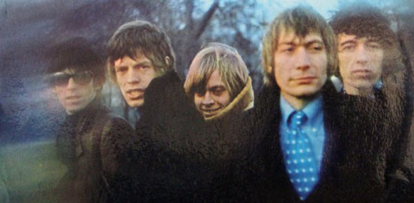 between the buttons Quizzes & Trivia