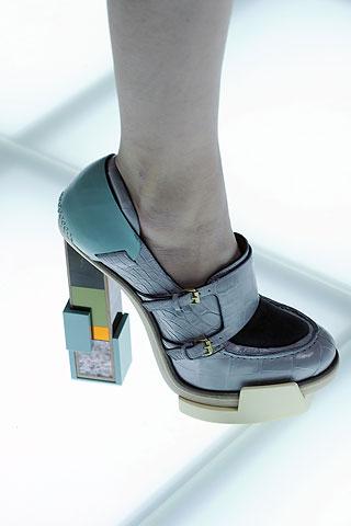 Les Chaussures De L