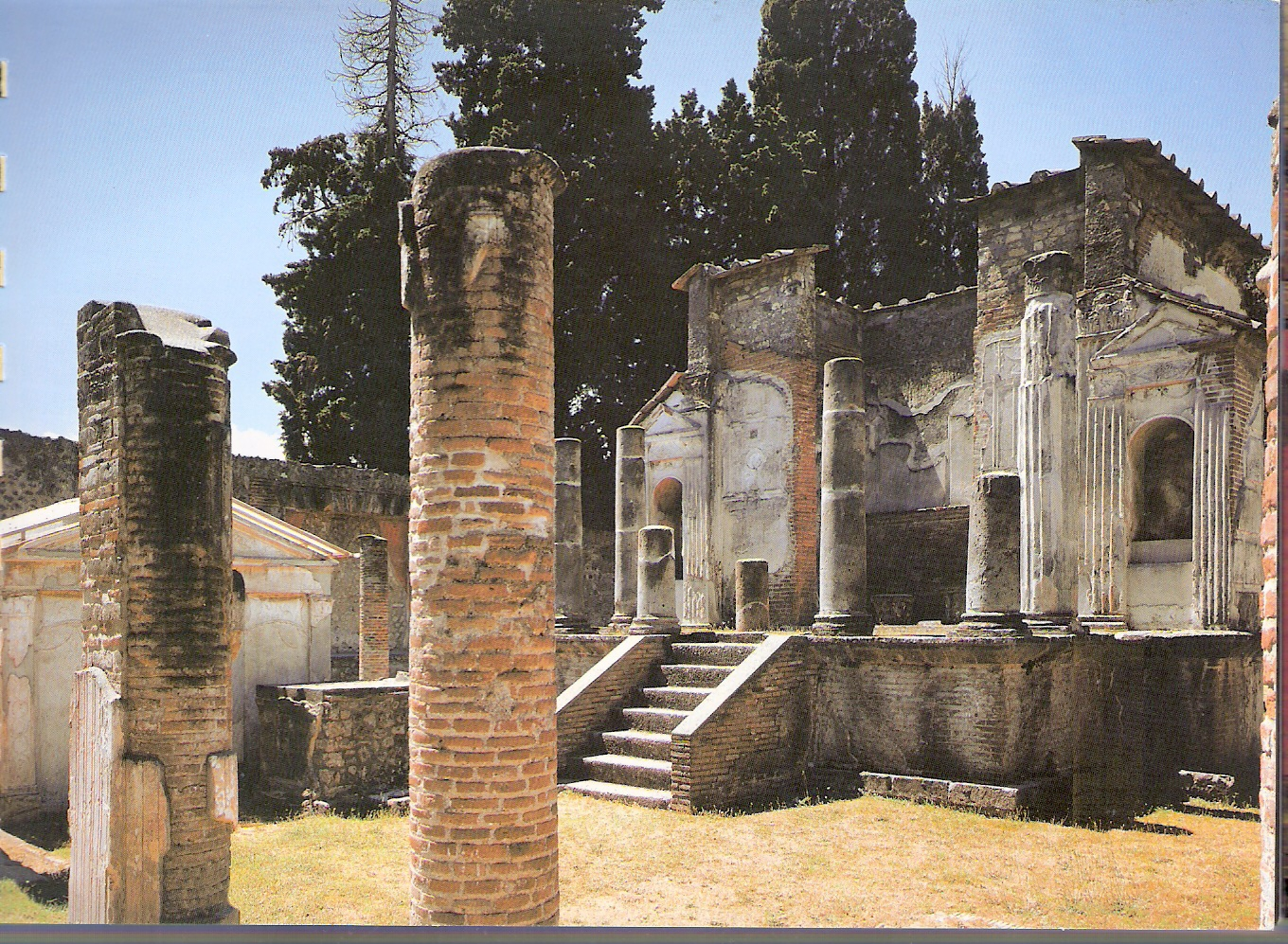 Public And Private Buildings In Pompeii
